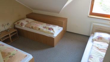 Trojlôžková izba (náhľad 1)
